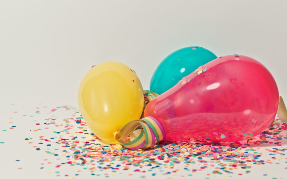 Birthday Dinner Ballon Hero Image